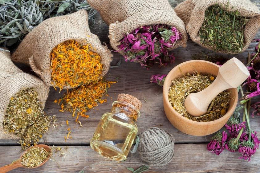 از روغن و یا اسانس چه گیاهانی در رایحه درمانی استفاده میشود؟
