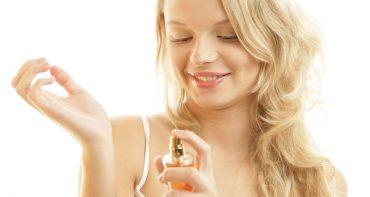 معرفی 10 عطر شیرین زنانه از بهترین های 10 برند