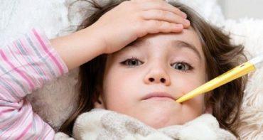 راه های خانگی برای پایین آوردن تب کودک