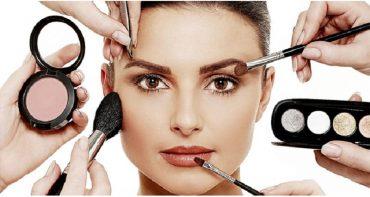 14 اشتباهات آرایشی که از زیبایی چهره شما می کاهند