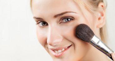 ساخت پاک کننده آرایش با مواد طبیعی