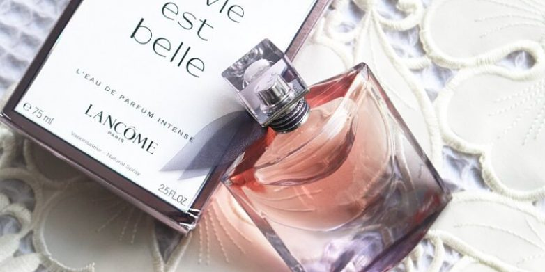 معرفی عطر زنانه لانکوم مدل la vie est belle