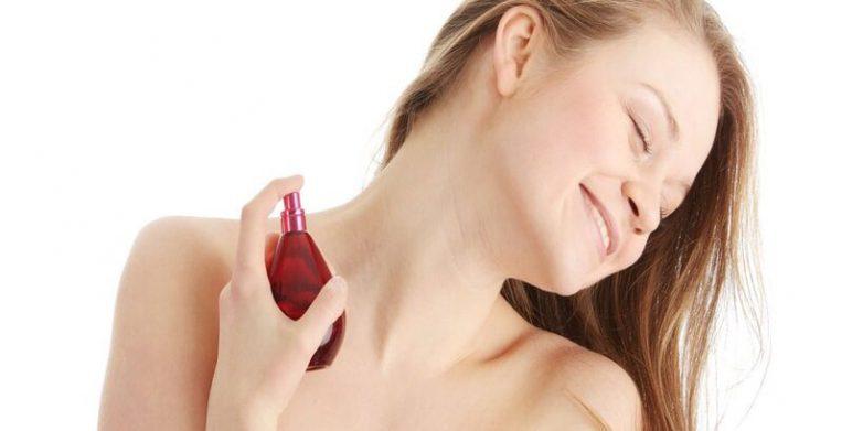 ماندگارترین و بهترین اسپری خوشبو کننده بدن زنانه